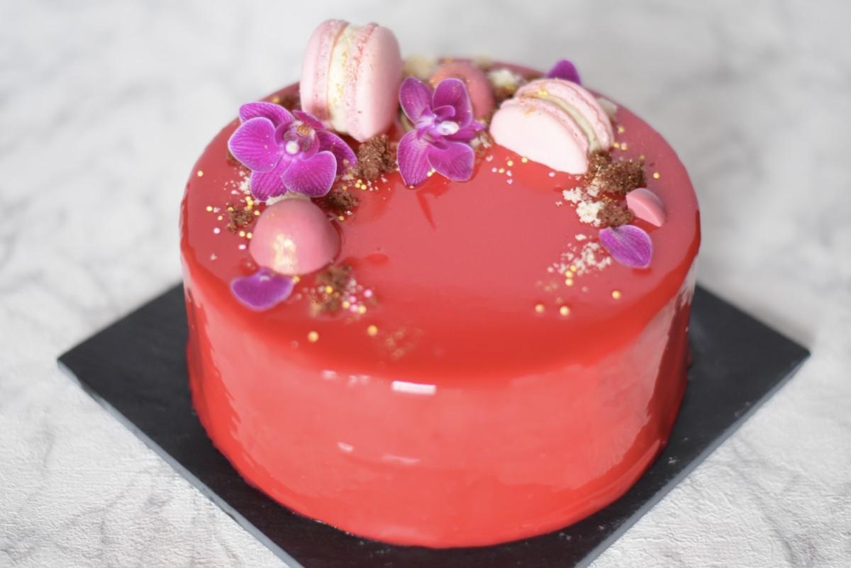 mirror glaze tårta choklad